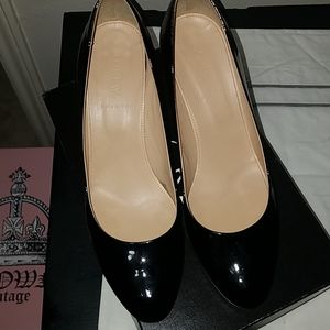 Patent leather wedge heel made in Italy